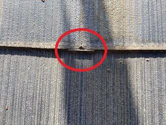 横浜市瀬谷区阿久和西のお住まいでは屋根塗装を行った際の縁切り、タスペーサーの設置が不十分でした