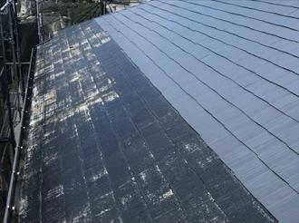 屋根下塗りから中塗りの様子
