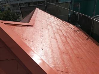 屋根上塗り後の光沢感