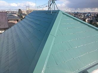 鮮やかなグリーンの屋根