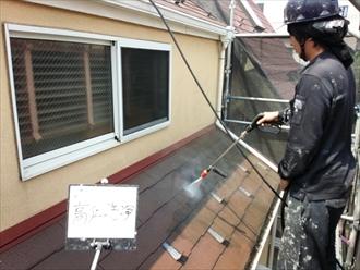 横浜市保土ケ谷区でスレート屋根の汚れを高圧洗浄で落とします