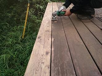 ウッドデッキには定期的な塗装工事が必要です|横浜市中区
