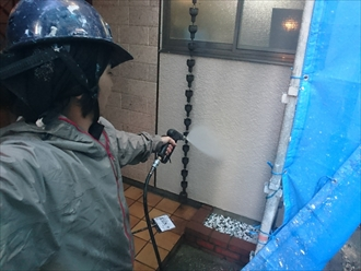 屋根と外壁の塗装工事は高圧洗浄と下塗りが重要です|川崎市多摩区