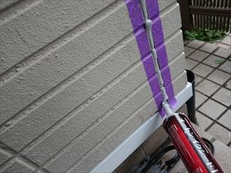 横浜市旭区川井宿町にて窯業系サイディングが使われた外壁の目地をオートンイクシードにて打ち替え雨漏りの不安解消