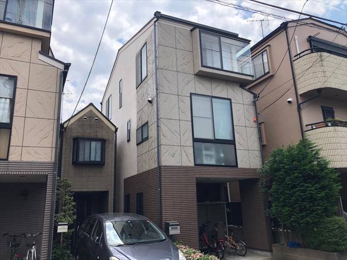 横浜市港北区新吉田東でモルタル外壁を高弾性塗料のエラストコートで塗装しました、施工前写真