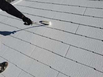 鎌倉市笛田にてサーモアイ4Fでスレート屋根塗装、夏場の室内温度上昇の抑制が期待できます