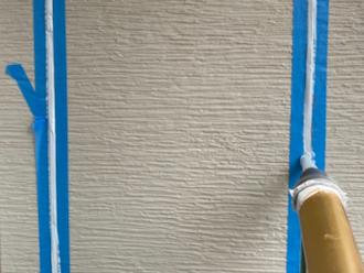 横浜市瀬谷区橋戸にて、ひび割れていた外壁のコーキングをオートンイクシードで補修