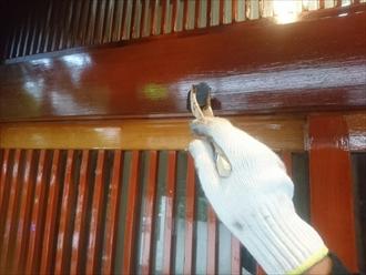 横浜市鶴見区北寺尾で木製引き戸とトタン屋根の塗装工事