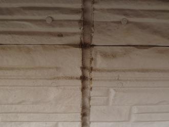 横浜市鶴見区岸谷にてお住まいの点検調査、窯業系サイディングの外壁では目地のコーキング補修も欠かせません