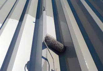折版屋根の塗装
