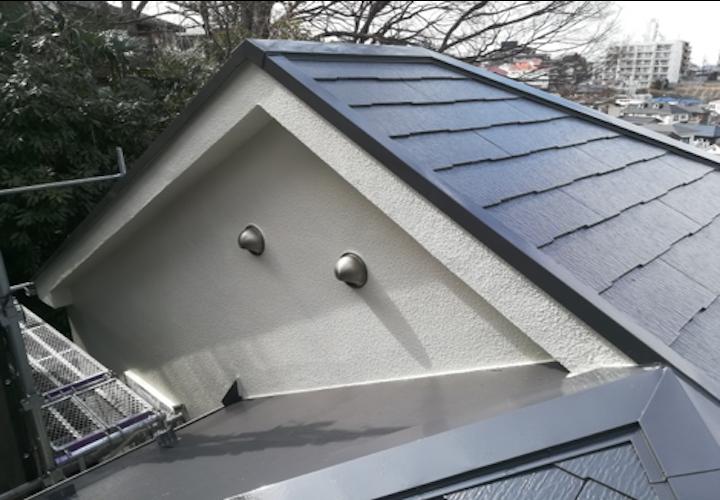 横浜市戸塚区南舞岡にて、遮熱塗料サーモアイSi(クールダークグレー )でスレート屋根塗装