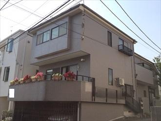 藤沢市築18年のモルタルと磁器タイルの外壁を塗り替え調査