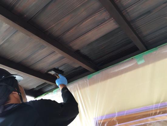 浸透型塗料を塗布
