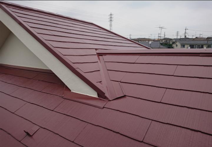 横浜市神奈川区守屋町にて、遮熱塗料サーモアイSiのクールブラウンでスレート屋根の塗装工事