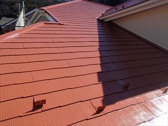 三浦郡葉山町|ガーネットオレンジで屋根塗装