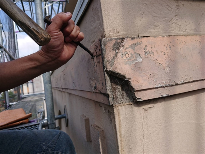 川崎市中原区宮内で外壁塗装と一緒に腐食した幕板交換工事をおこないます