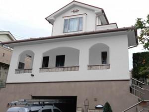 横浜市青葉区 屋根塗装 外壁塗装 屋根の色 外壁の色 ベージュ 黄色 赤系 緑系 グレー系 1・2階 ホワイト 基礎:ベージュ系