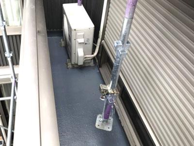 大和市上草柳で床が沈み、裂け始めたバルコニーをFRP防水で改修、施工後写真