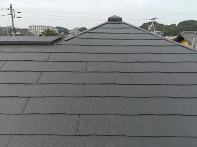 屋根塗装でリフレッシュされたスレート屋根