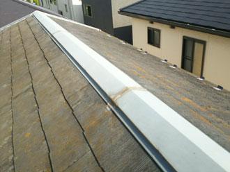 逗子市桜山で棟板金交換をしてスレート屋根を塗装、築20年超の屋根をリフレッシュ、施工前写真