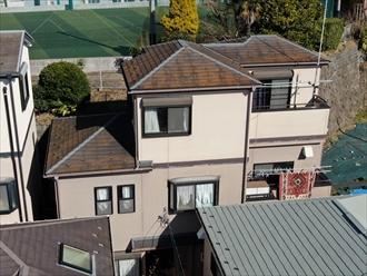 横浜市栄区本郷台でスレートと窯業系サイディングの屋根外壁塗装、ラジカル制御形塗料でピカピカに仕上がりました、施工前写真