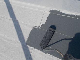 川崎市 屋根塗装 アレスクール 中塗り