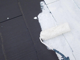 横浜市青葉区 屋根塗装 サーモアイシーラーで下塗り