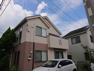 横浜市青葉区若草台にて一部ジョリパッド仕上げの意匠性の高いモルタル外壁へ、パーフェクトトップ(ND-503)とジョリパッドフレッシュ(T6010)を使い風合いを残しつつ落ち着いた外観になった外壁塗装工事、施工前写真