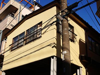 三浦市南下浦町にて築18年で劣化したモルタル外壁をパーフェクトトップを使用して塗装工事を行いました、施工後写真