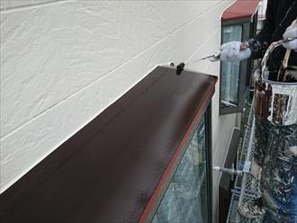 庇も鉄部になりますので、棟板金などと同様にケレン後錆び止め塗布、仕上げです
