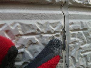 サイディング外壁の目地に打たれているコーキング材の劣化