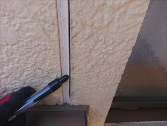 横浜市港北区富士塚にて三階建ての外壁点検調査、窯業系サイディングの目地の劣化が目立ち塗装でのメンテナンスが必要でした