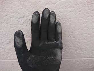 横浜市旭区都岡町にて窯業系サイディング外壁の点検調査、シーリングの劣化は雨漏りに繋がりますので塗装でのメンテナンスと同時にシーリングもメンテナンスしましょう