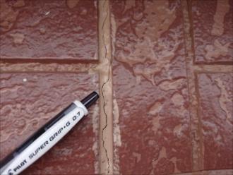 コーキングの劣化は雨漏りを読んでしまう事もあります。雨漏りは屋根からだけではなく外壁やベランダ、バルコニーからも起きてしまいます