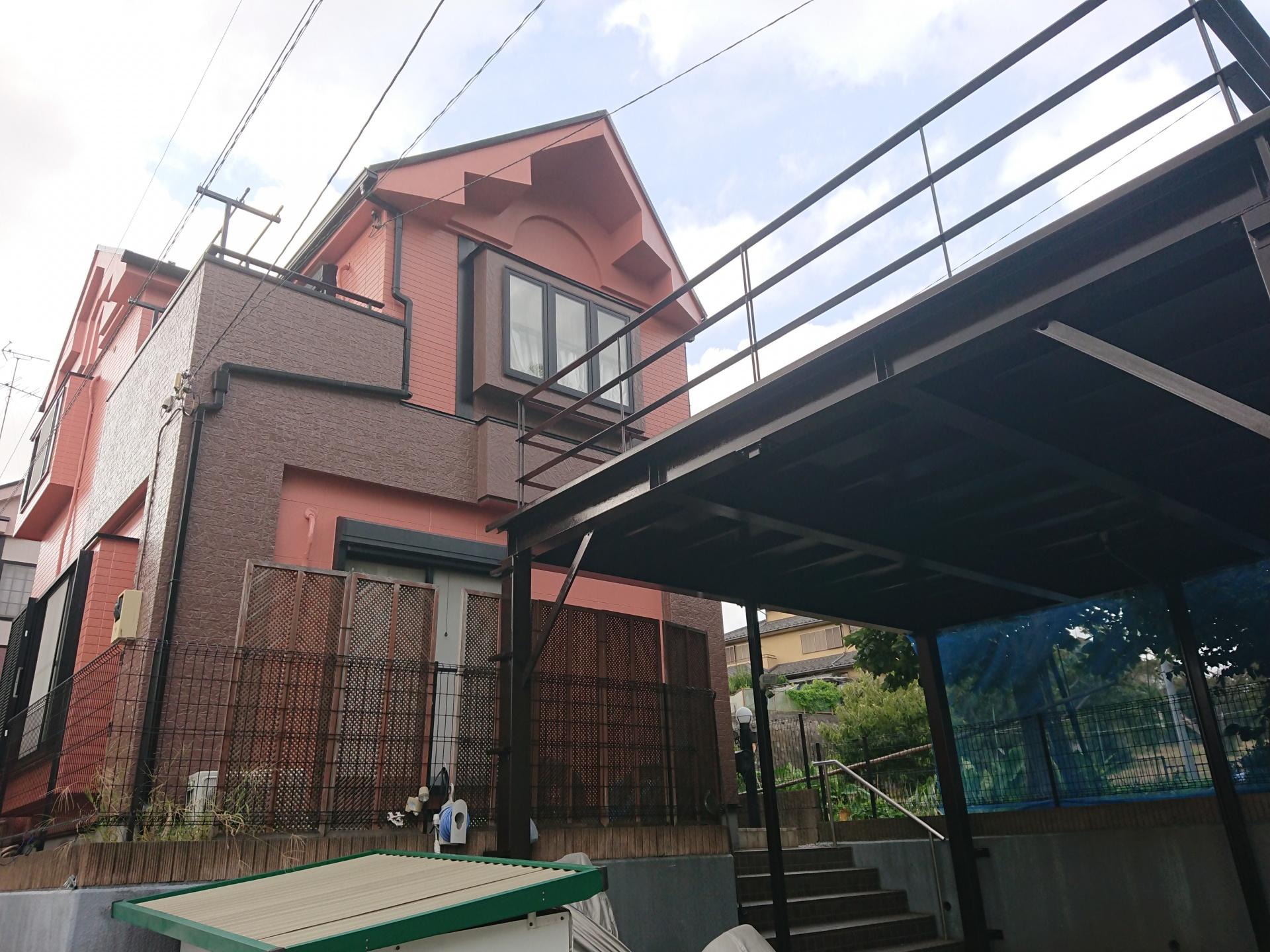 横浜市緑区で築15年目で初めての屋根外壁塗装、サーモアイSiとパーフェクトトップで寒色系から暖色系へイメージチェンジ、施工後写真