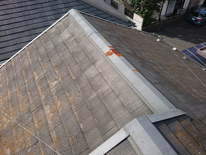 屋根自体は塗装できそうでしたが、棟板金に錆があり、塗装ではなく棟板金は交換の必要性あり
