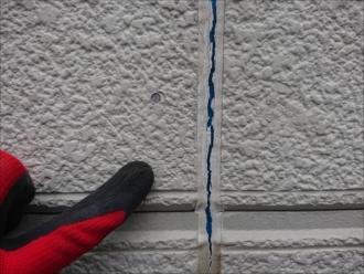 横浜市都筑区南山田町にて築24年経過した窯業系サイディング外壁はコーキング目地が切れており雨漏りが心配です