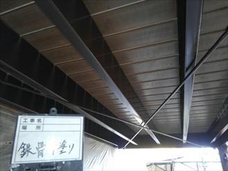 擁壁の鉄骨架台 上塗り