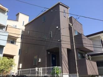 横浜市南区三春台でスレート屋根とモルタル外壁を塗装、サーモアイ4F(クールコーヒーブラウン)とプレミアムシリコン(SR-414)でメンテナンスしました、施工後写真