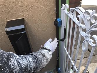 ご自宅の門扉色褪せてませんか?門扉も塗り替えが必要|横浜市磯子区