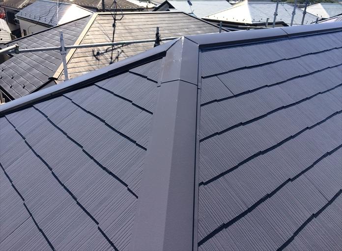 棟板金を交換した後に屋根塗装すると色が統一できる