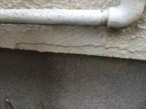 モルタル外壁に発生する亀裂