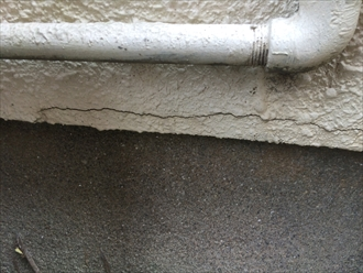 横浜市瀬谷区阿久和東でモルタル外壁の点検、塗膜の剥がれはメンテナンスの目安になります
