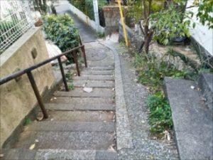 建物までの階段部分