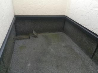 川崎市幸区|非常口の床から雨漏り・点検調査