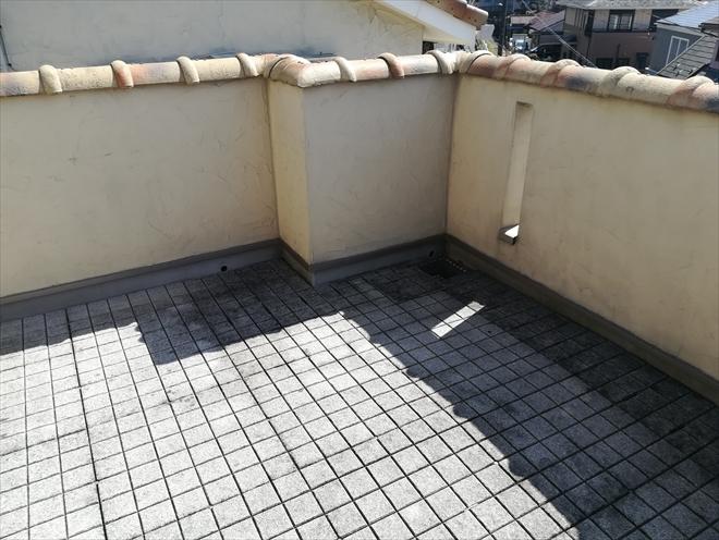 横浜市神奈川区|ルーフバルコニー防水工事・敷石の撤去設置に一苦労