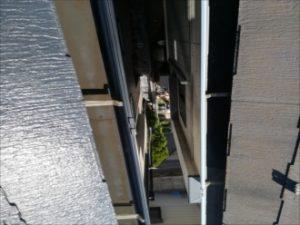 お隣の屋根との比較