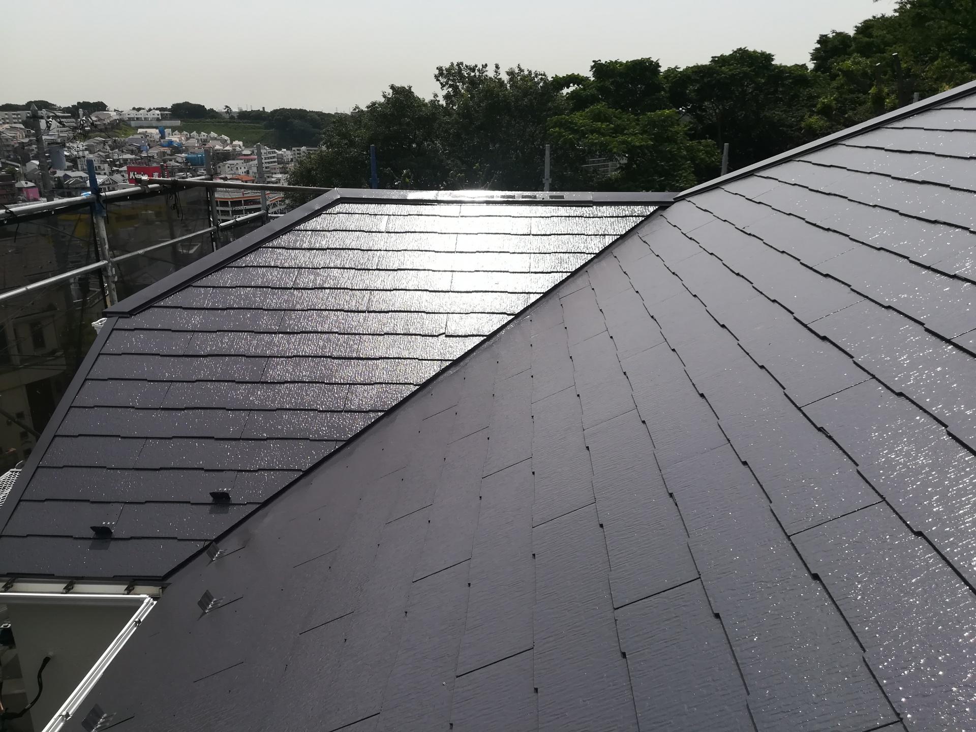 横浜市神奈川区築10年目で初めての外装リフォーム、屋根は遮熱塗料(サーモアイSi)・外壁はラジカル制御形(パーフェクトトップ)を使用して塗装を行いました、施工後写真