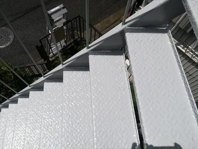 横浜市西区|鉄骨階段塗装・ケレン+サビ止め+2回塗り