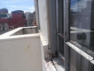 外壁の膨れ、サッシ廻りの劣化